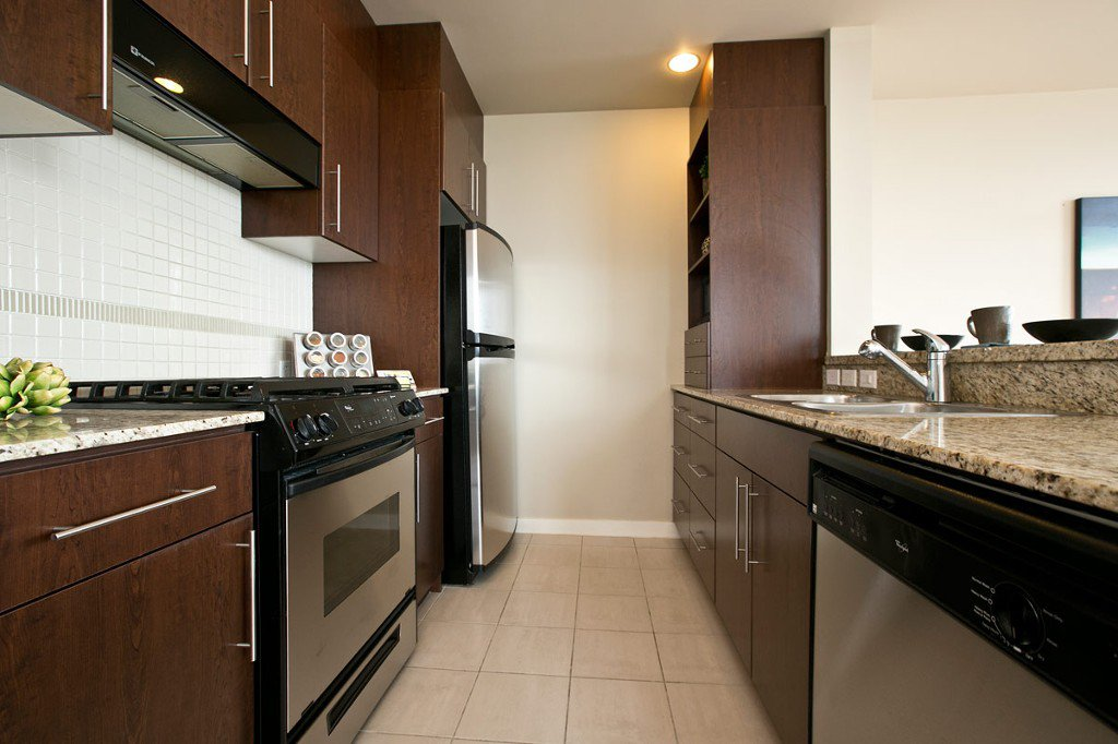 """Photo 12: Photos: 3202 583 BEACH Crescent in Vancouver: Yaletown Condo for sale in """"TWO PARKWEST"""" (Vancouver West)  : MLS®# V1008812"""