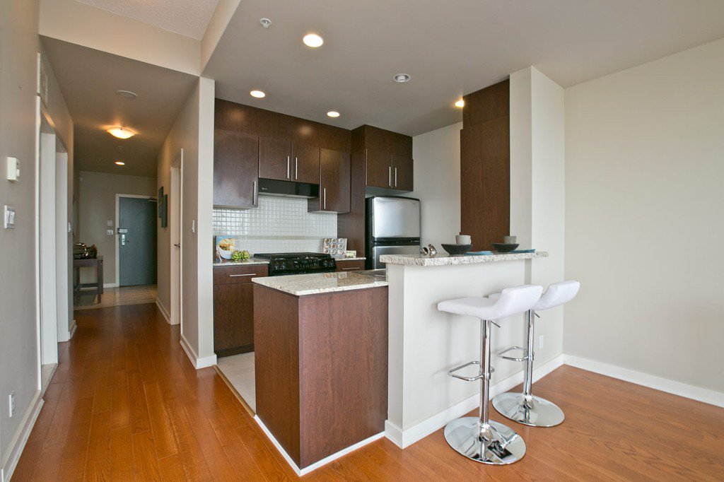 """Photo 10: Photos: 3202 583 BEACH Crescent in Vancouver: Yaletown Condo for sale in """"TWO PARKWEST"""" (Vancouver West)  : MLS®# V1008812"""