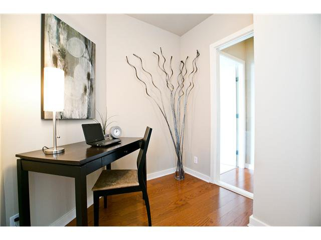 """Photo 44: Photos: 3202 583 BEACH Crescent in Vancouver: Yaletown Condo for sale in """"TWO PARKWEST"""" (Vancouver West)  : MLS®# V1008812"""