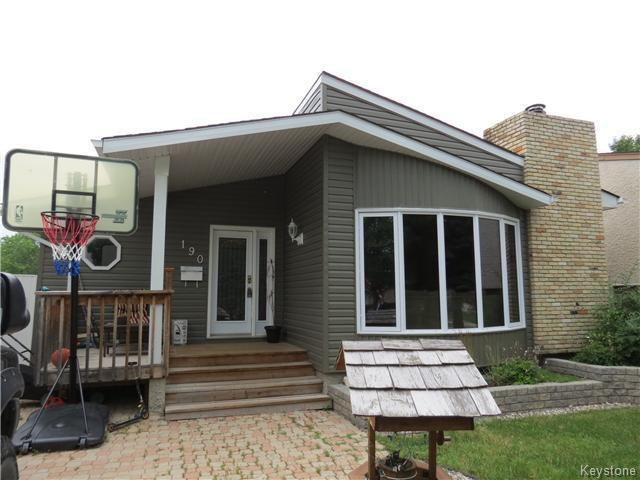 Main Photo: 190 Tufnell Drive in WINNIPEG: St Vital Residential for sale (South East Winnipeg)  : MLS®# 1418241