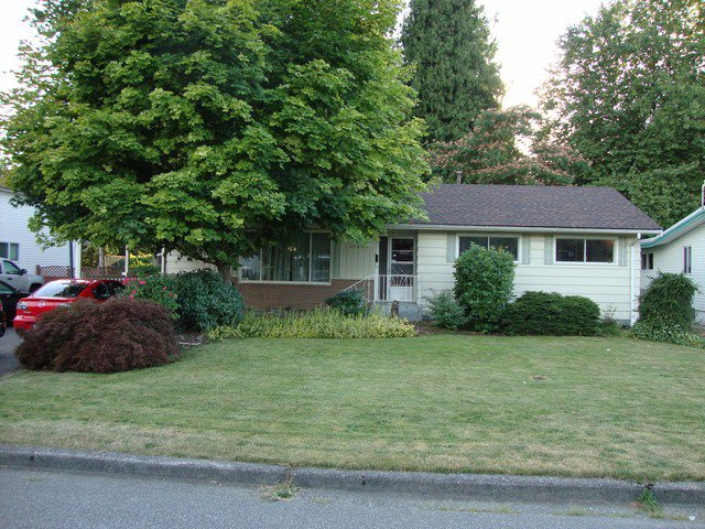 """Main Photo: 10095 FAIRVIEW Drive in Chilliwack: Fairfield Island House for sale in """"FAIRFIELD ISLAND"""" : MLS®# H1403315"""