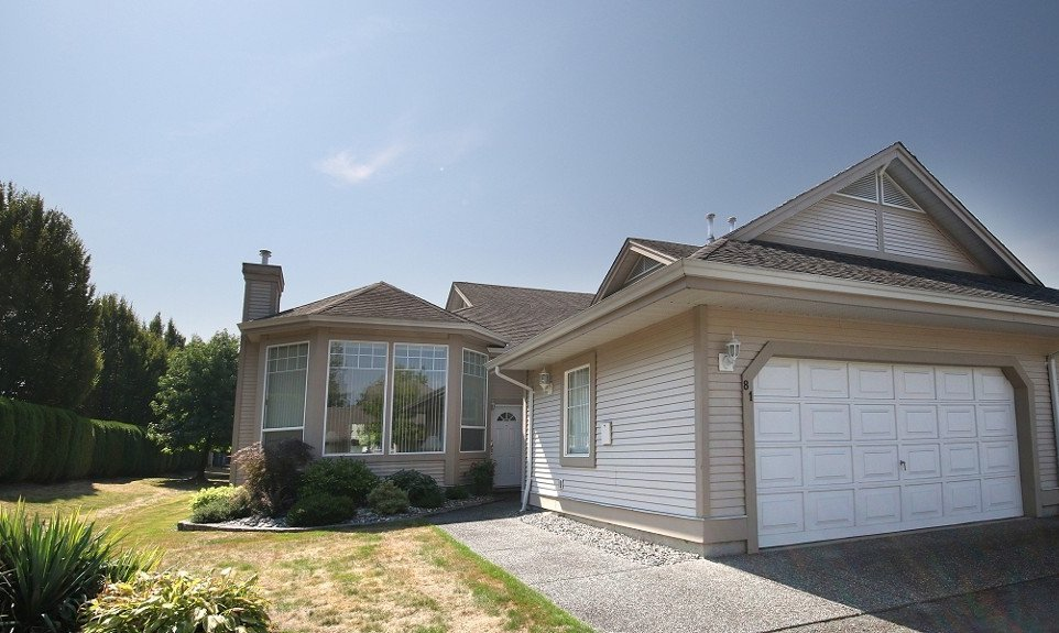"""Main Photo: 81 9025 216TH Street in Langley: Walnut Grove Townhouse for sale in """"COVENTRY WOODS"""" : MLS®# F1421393"""