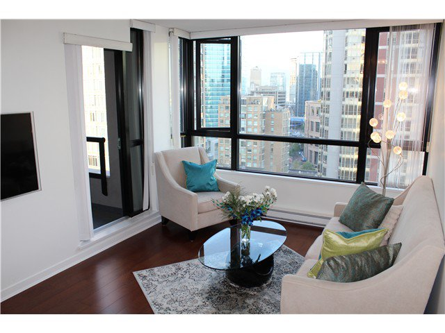 Main Photo: # 2210 909 MAINLAND ST in Vancouver: Yaletown Condo for sale (Vancouver West)  : MLS®# V1129575