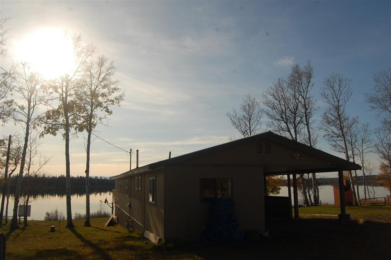 Main Photo: 23 POINT Road: 70 Mile House Manufactured Home for sale (100 Mile House (Zone 10))  : MLS®# R2449236