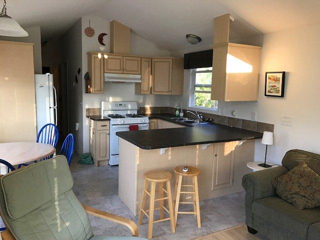 Photo 5: Photos: 1 6696 Sunnybrae Canoe Pt Road in Tappen: CANOE PT ORCHARD RV PARK House for sale : MLS®# 10164495