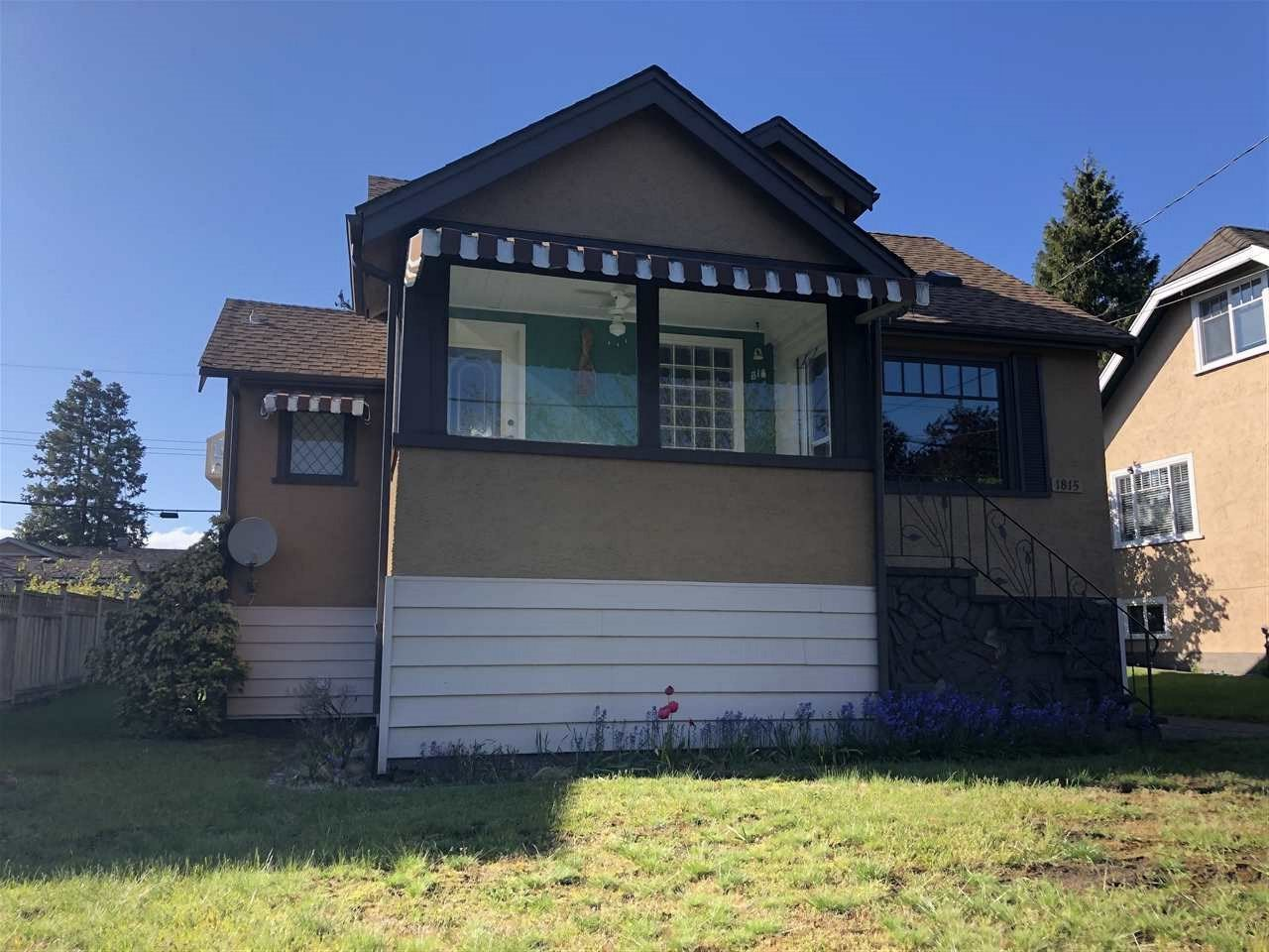 Photo 1: Photos: 1815 LONDON Street in New Westminster: West End NW House for sale : MLS®# R2454695