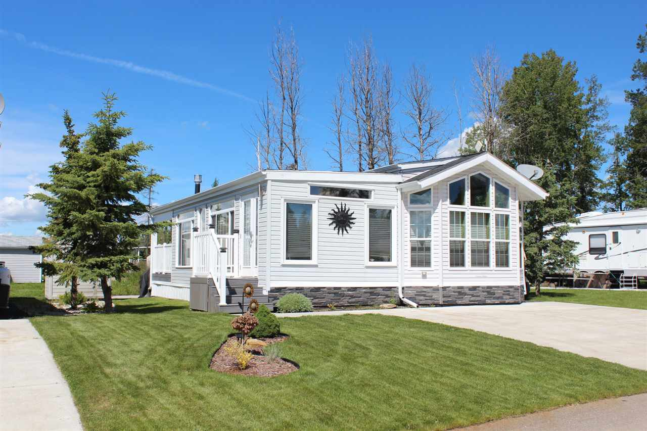 Main Photo: 174 53126 RR 70: Rural Parkland County Manufactured Home for sale : MLS®# E4206408