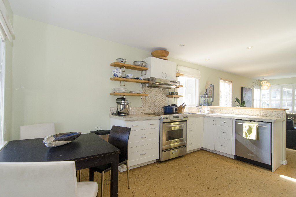 Photo 4: Photos: 820 Garden Dr. in Vancouver: Hastings House for sale (Vancouver East)