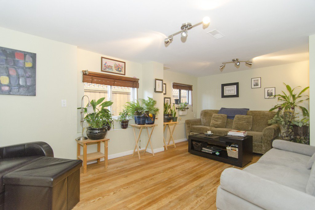 Photo 11: Photos: 820 Garden Dr. in Vancouver: Hastings House for sale (Vancouver East)
