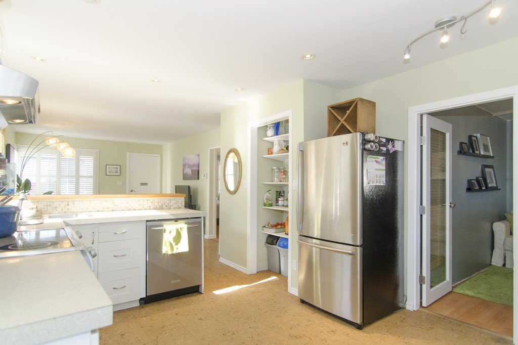 Photo 5: Photos: 820 Garden Dr. in Vancouver: Hastings House for sale (Vancouver East)