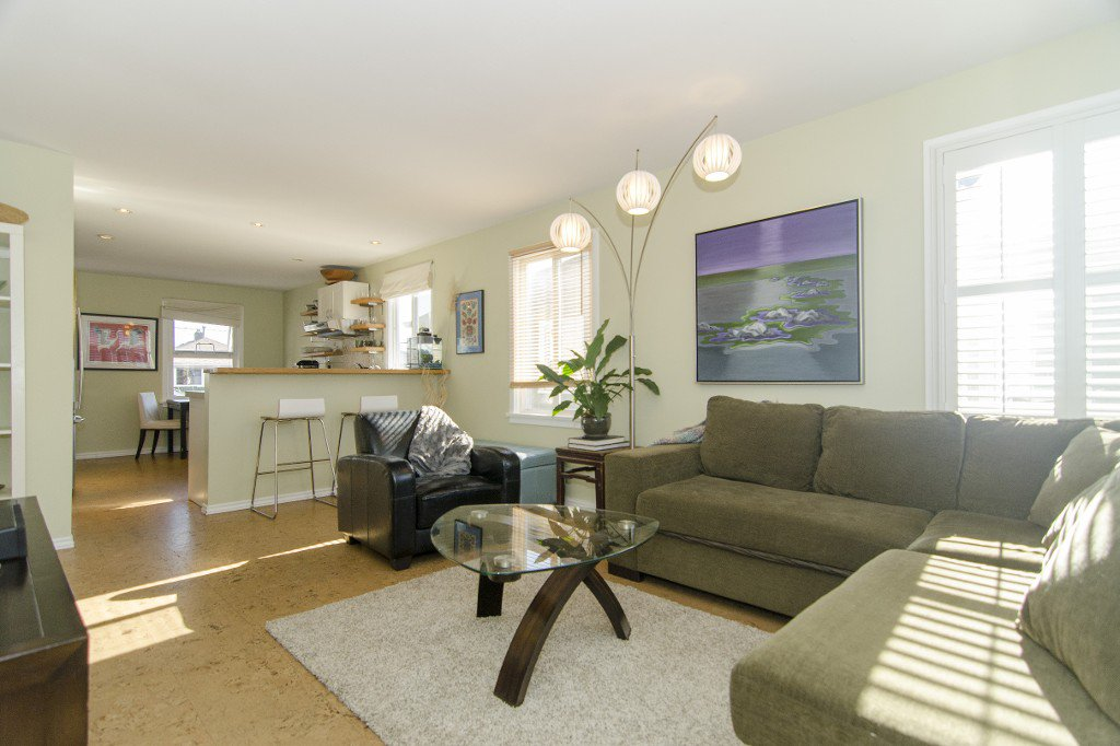 Photo 2: Photos: 820 Garden Dr. in Vancouver: Hastings House for sale (Vancouver East)