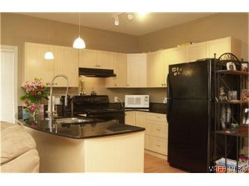 Main Photo:  in VICTORIA: La Langford Proper Condo for sale (Langford)  : MLS®# 431576