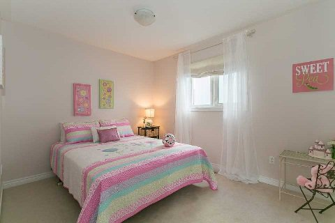 Photo 10: Photos: 26 Cranborne Crest in Whitby: Brooklin House (2-Storey) for sale : MLS®# E2990099