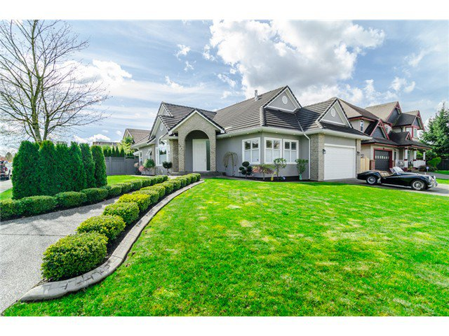 Main Photo: 9287 202B ST in Langley: Walnut Grove House for sale : MLS®# F1436573