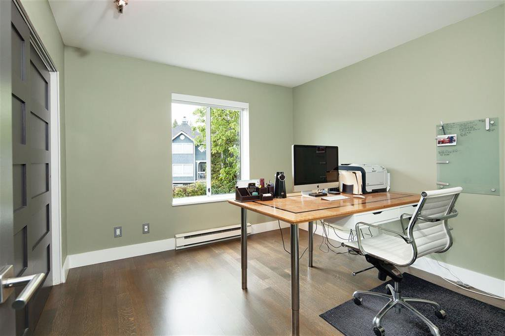 Photo 9: Photos: 8481 Quayside Court in Vancouver: Fraserview VE Townhouse for sale (Vancouver East)  : MLS®# R2057386