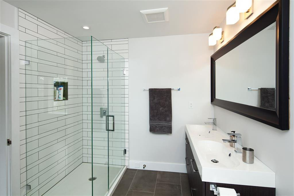 Photo 12: Photos: 8481 Quayside Court in Vancouver: Fraserview VE Townhouse for sale (Vancouver East)  : MLS®# R2057386