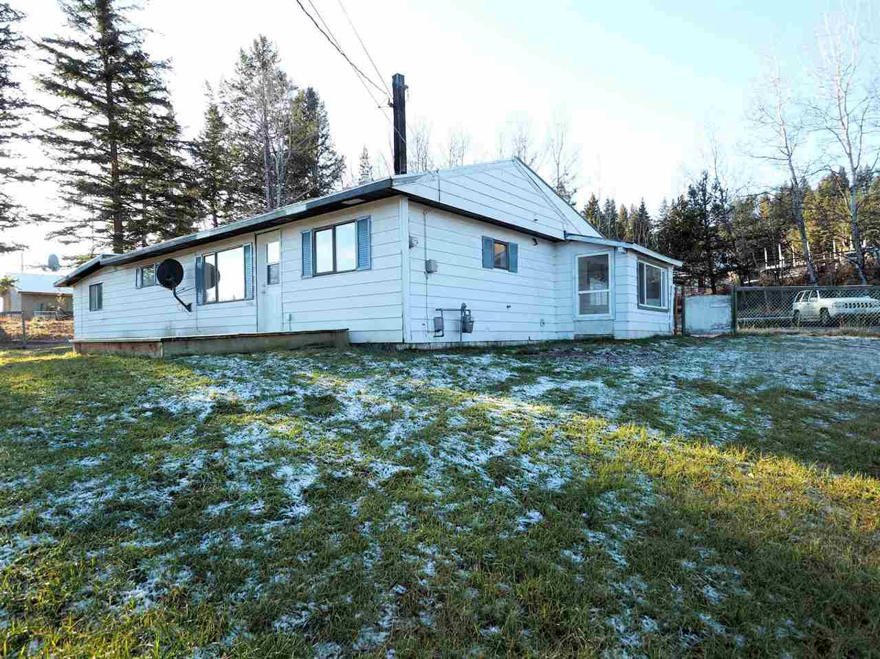 Main Photo: 5948 ANDERSON Road in 100 Mile House: 100 Mile House - Rural House for sale (100 Mile House (Zone 10))  : MLS®# R2424091