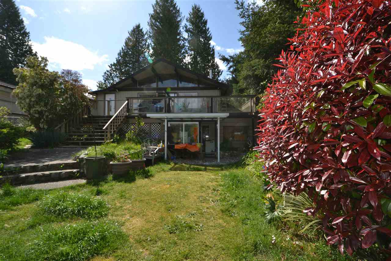 Main Photo: 5463 BURLEY Place in Sechelt: Sechelt District House for sale (Sunshine Coast)  : MLS®# R2452833