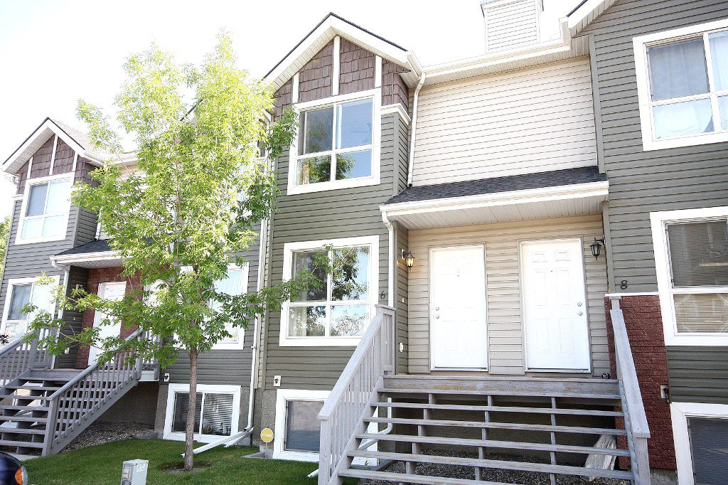Main Photo: 6 Erin Woods Court SE in Calgary: Erinwoods House for sale : MLS®# C3531056