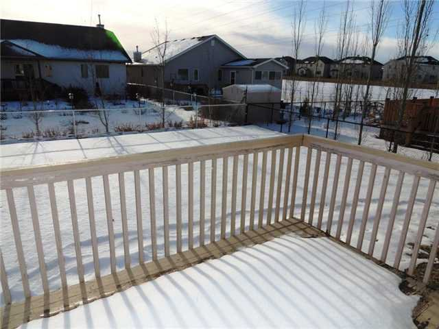 Photo 9: Photos: 121 West Lakeview Crescent: Chestermere Residential Detached Single Family for sale : MLS®# C3549761