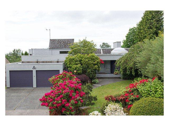 Main Photo: : House for sale : MLS®# v1008803