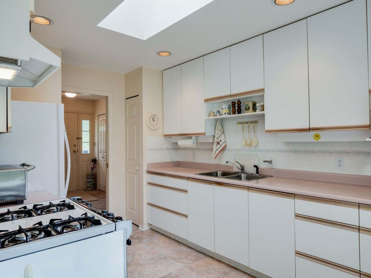 Photo 8: Photos: 4120 LYNN VALLEY ROAD in North Vancouver: Lynn Valley House for sale : MLS®# R2100168