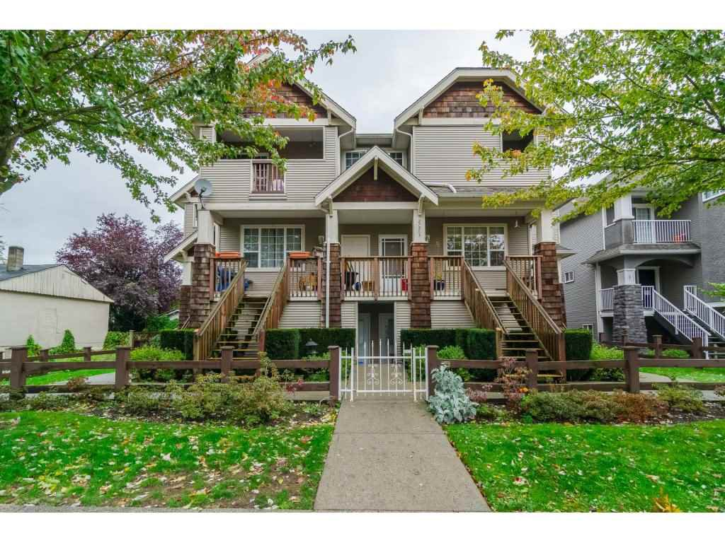 Main Photo: 3 27283 30 AVENUE in Langley: Aldergrove Langley Townhouse for sale : MLS®# R2116798