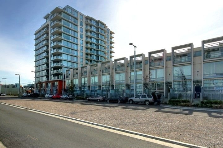 Main Photo: 1105 1833 CROWE STREET in Vancouver: False Creek Condo for sale (Vancouver West)  : MLS®# R2268745