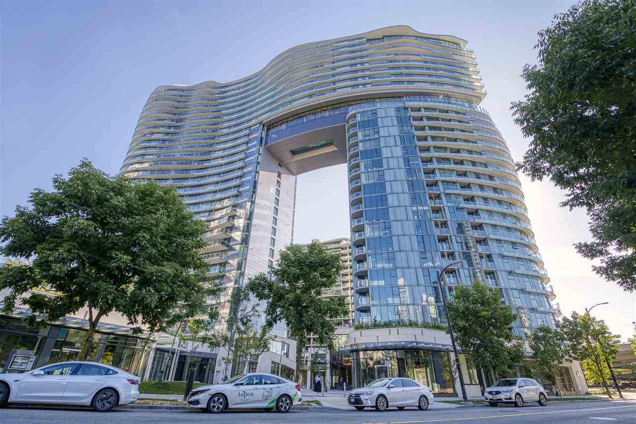 "Main Photo: 484 87 NELSON Street in Vancouver: Yaletown Condo for sale in ""THE ARC"" (Vancouver West)  : MLS®# R2498680"