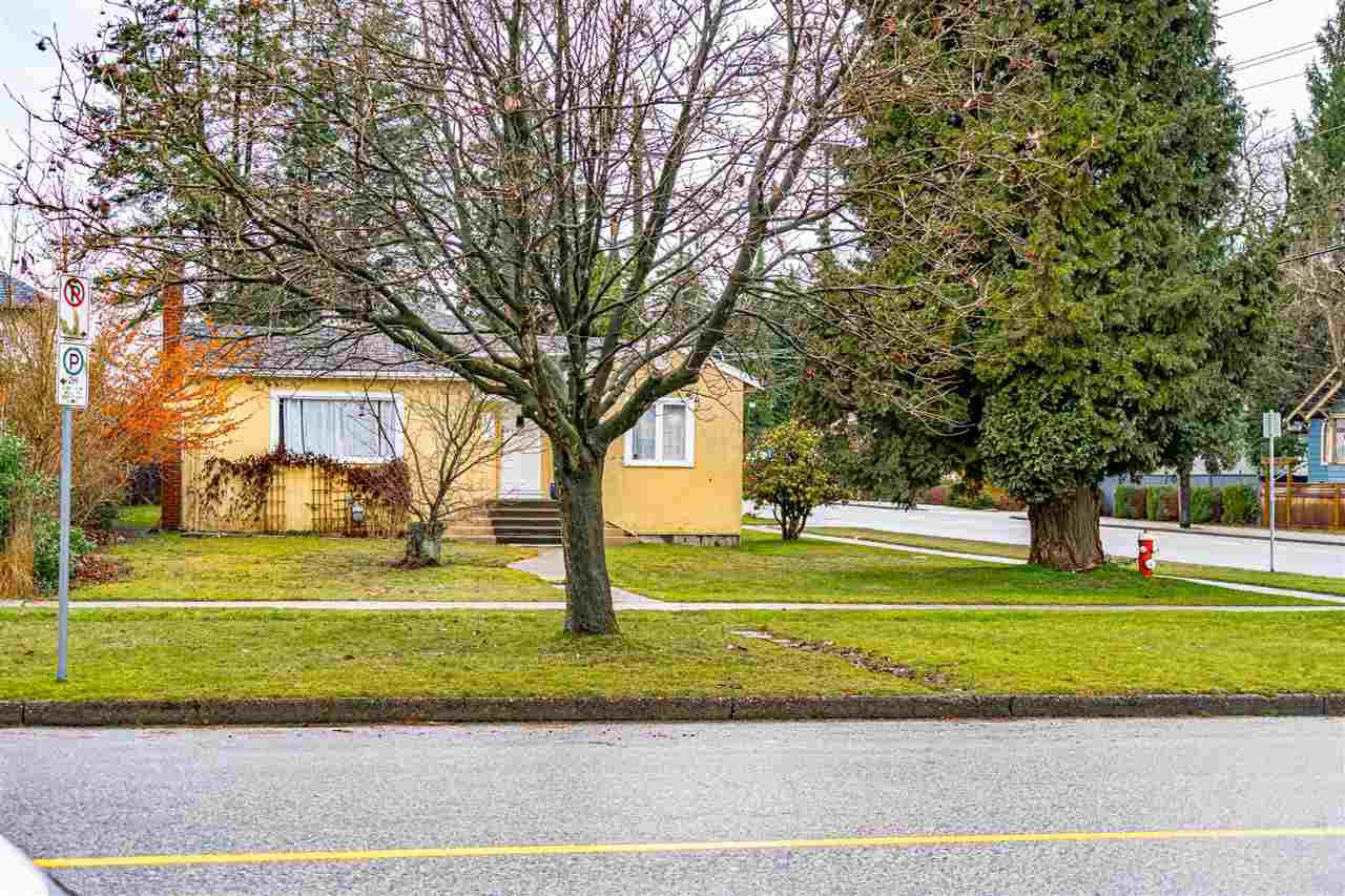 "Main Photo: 738 FIFTH Street in New Westminster: GlenBrooke North House for sale in ""GLENBROOKE NORTH"" : MLS®# R2528066"