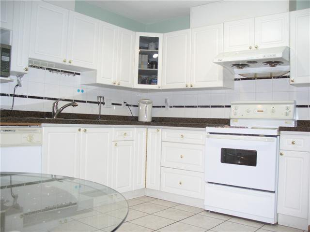 Photo 3: Photos: 4723 VILLAGE Drive in Burnaby: Greentree Village Townhouse for sale (Burnaby South)  : MLS®# V929414