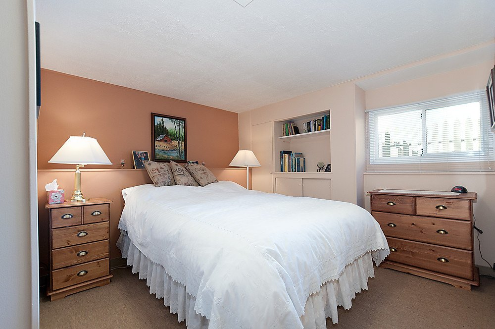 Photo 3: Photos: 3965 W 14TH Avenue in Vancouver: Point Grey House for sale (Vancouver West)  : MLS®# V936839