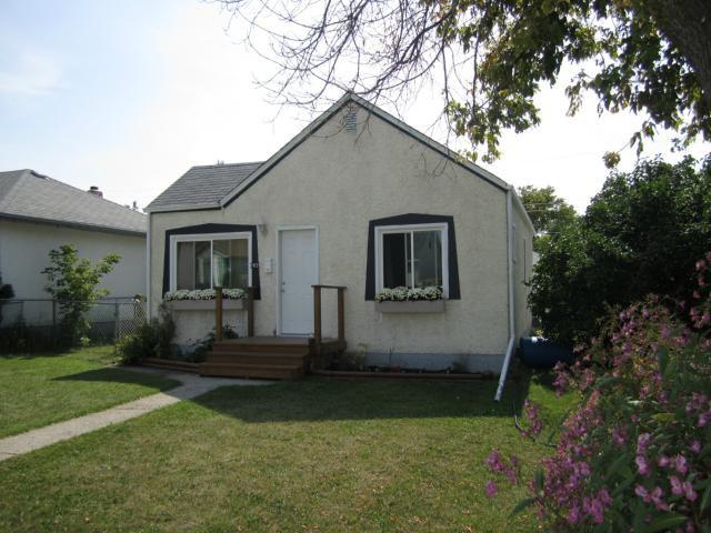 Main Photo: 1922 Elgin Avenue West in WINNIPEG: Brooklands / Weston Residential for sale (West Winnipeg)  : MLS®# 1217423
