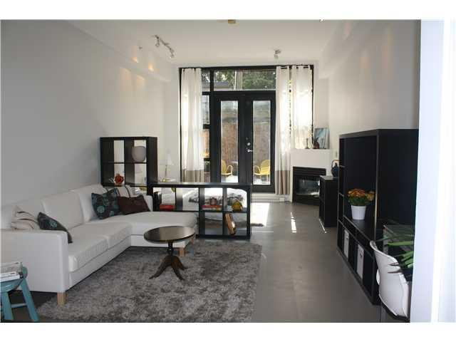 Main Photo: # 2 2156 W 12TH AV in Vancouver: Kitsilano Condo for sale (Vancouver West)  : MLS®# V1043447