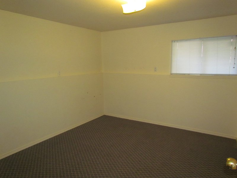 Photo 5: Photos: BSMT 32105 Elkford Dr. in Abbotsford: Abbotsford West Condo for rent