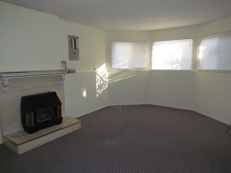 Photo 2: Photos: BSMT 32105 Elkford Dr. in Abbotsford: Abbotsford West Condo for rent