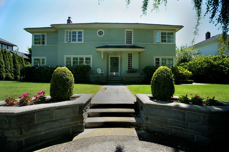 Main Photo: 4718 W 6TH Avenue in VANCOUVER: University VW House for sale (Vancouver West)  : MLS®# V600757