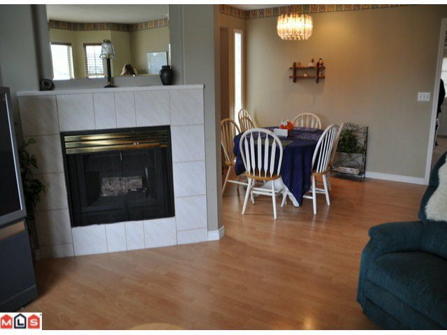 Photo 8: Photos: 5018 214A Street in : Murrayville House 1/2 Duplex for sale (Langley)  : MLS®# F1027607