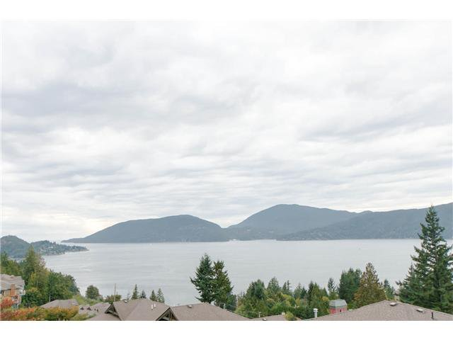 Main Photo: 8631 Seascape Rd in West Vancouver: Howe Sound Duplex for sale : MLS®# v1087758