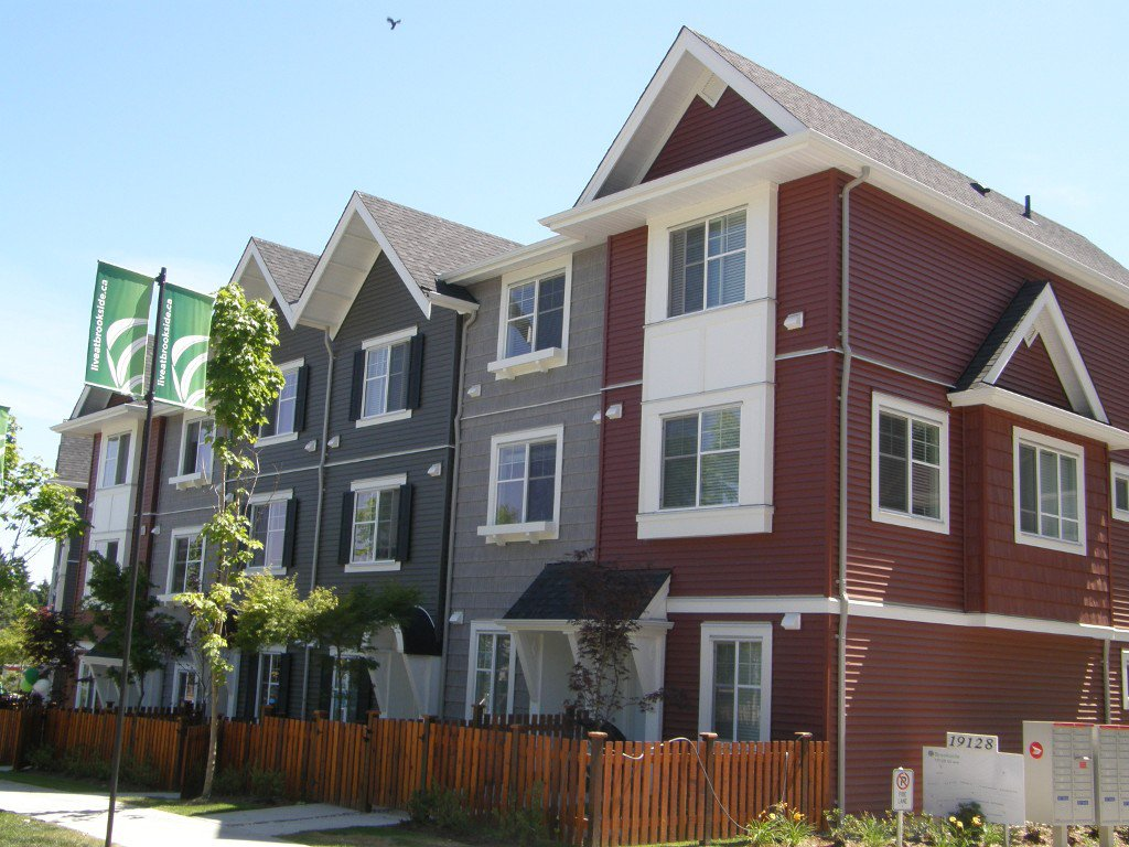 Main Photo: #36-19128-65 in Langley, B. C.: Townhouse  (Langley)