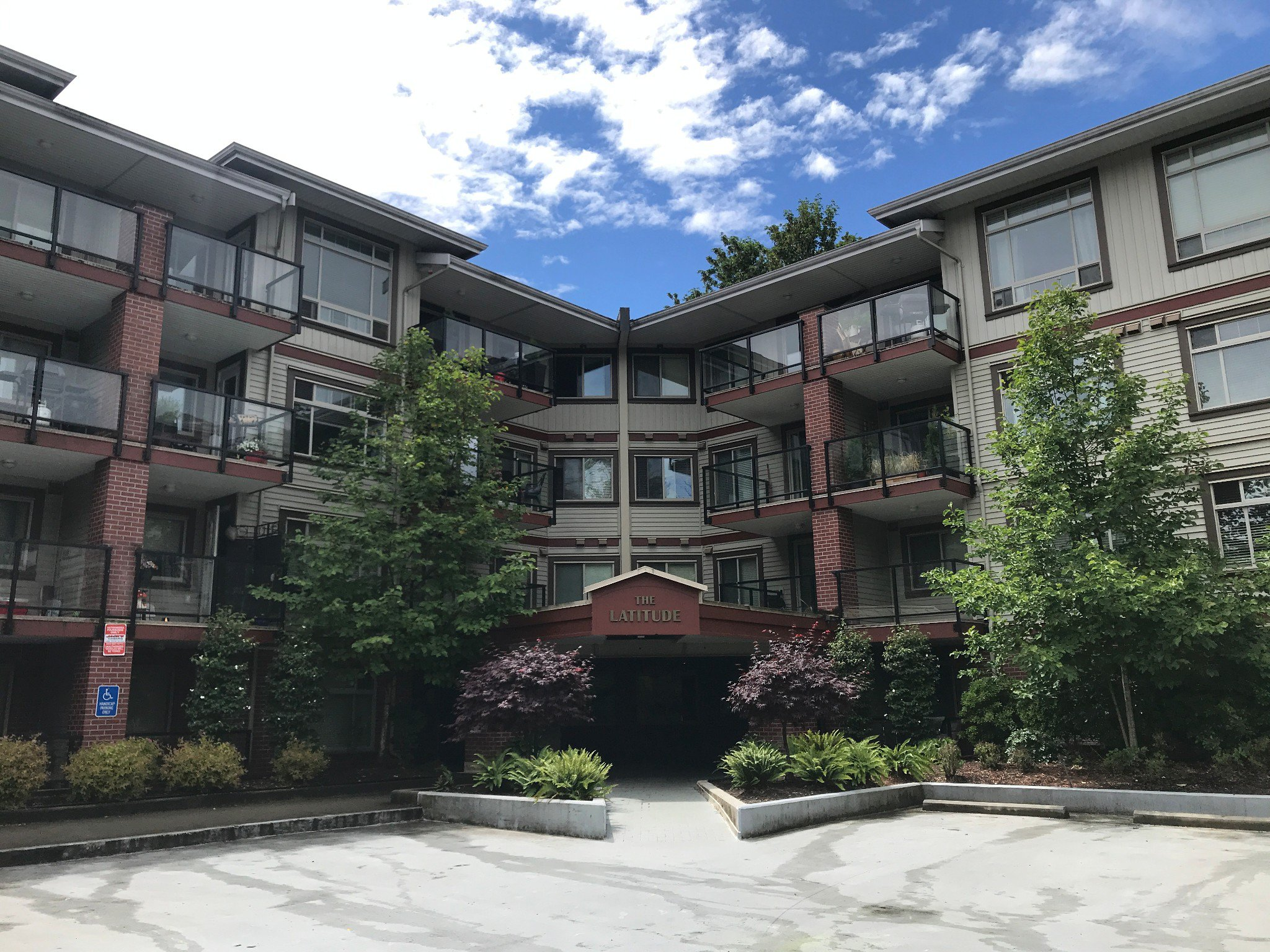 Main Photo: #112 2233 McKenzie Rd. in Abbotsford: Central Abbotsford Condo for rent