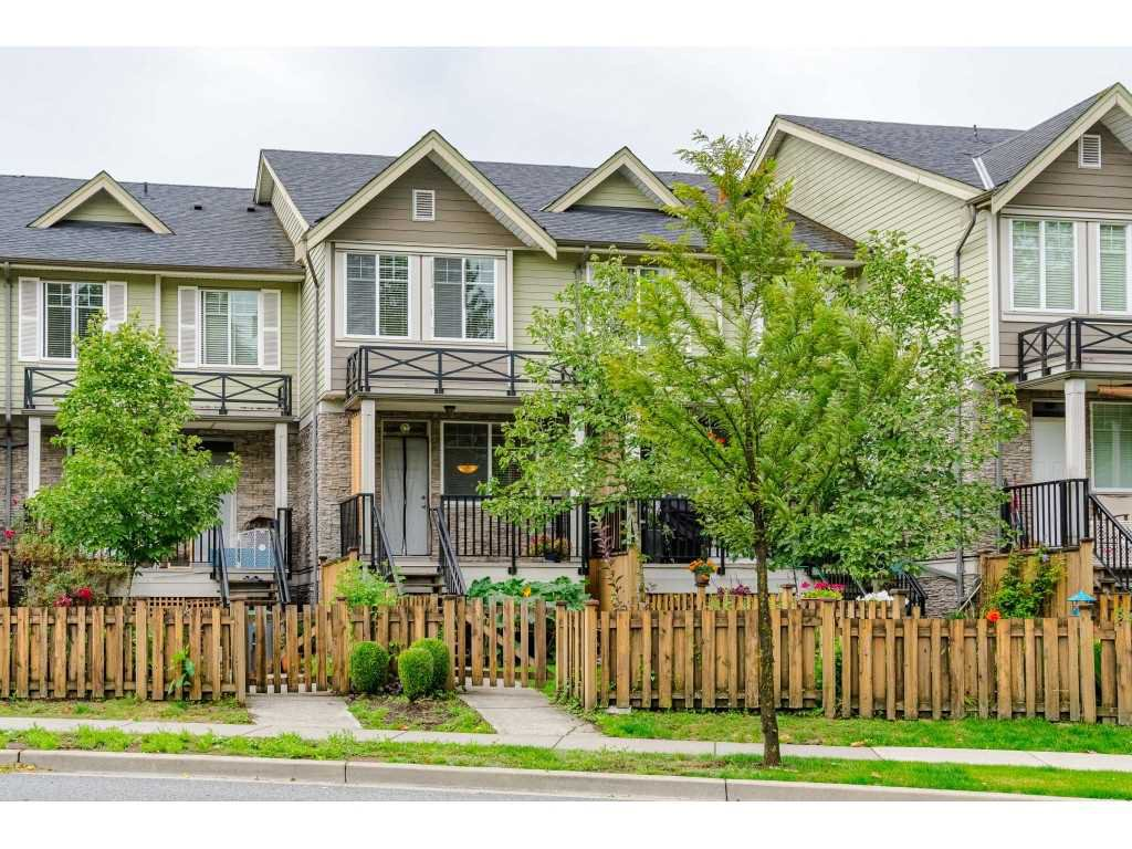 """Main Photo: 5 15399 GUILDFORD Drive in Surrey: Guildford Townhouse for sale in """"Guildford Greens"""" (North Surrey)  : MLS®# R2390441"""