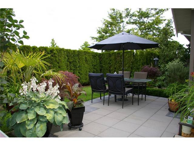 """Main Photo: # 2 5300 ADMIRAL WY in Ladner: Neilsen Grove Condo for sale in """"WOODWARD LANDING"""" : MLS®# V923911"""