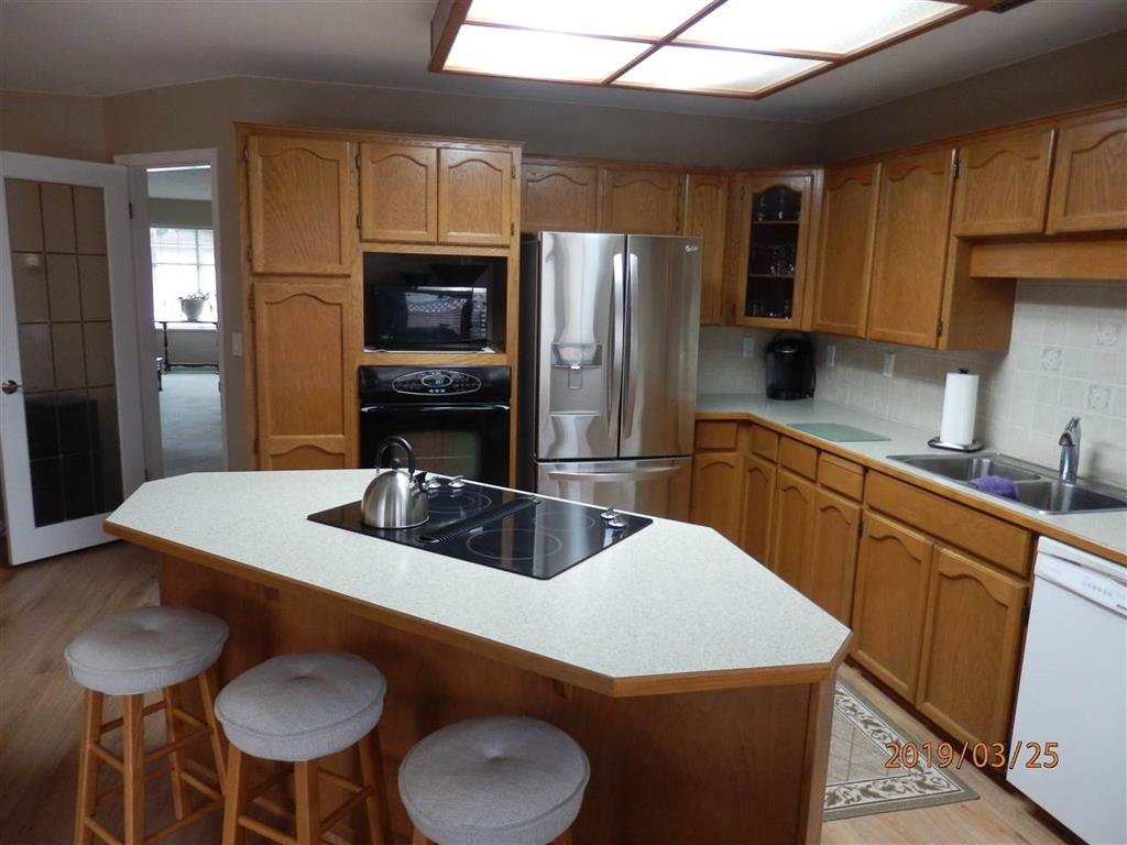 Photo 5: Photos: 4497 62 Street in Delta: Holly House for sale (Ladner)