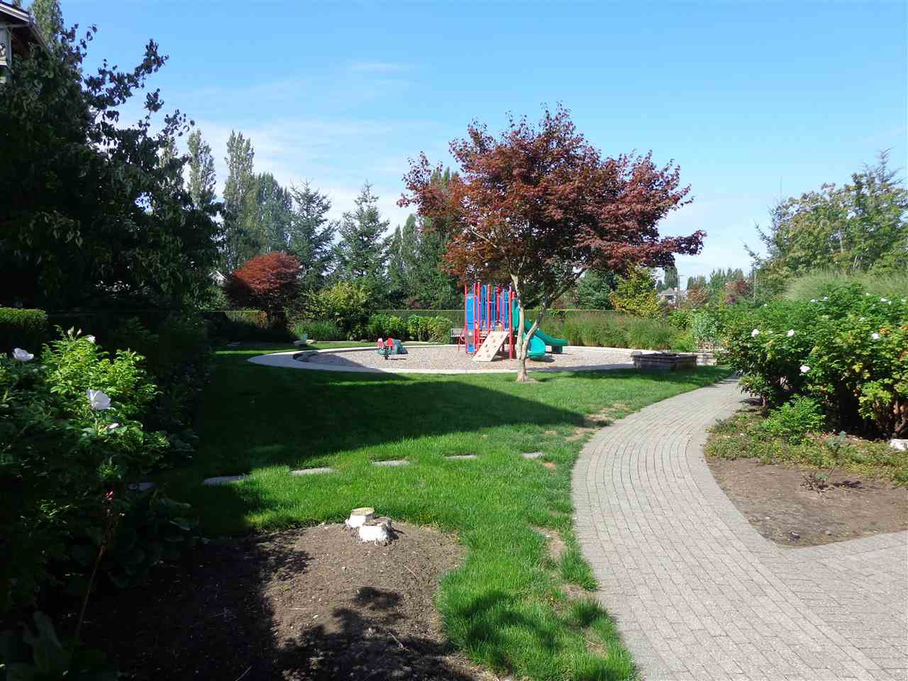 "Photo 17: Photos: 321 21009 56 Avenue in Langley: Salmon River Condo for sale in ""CORNERSTONE"" : MLS®# R2409598"