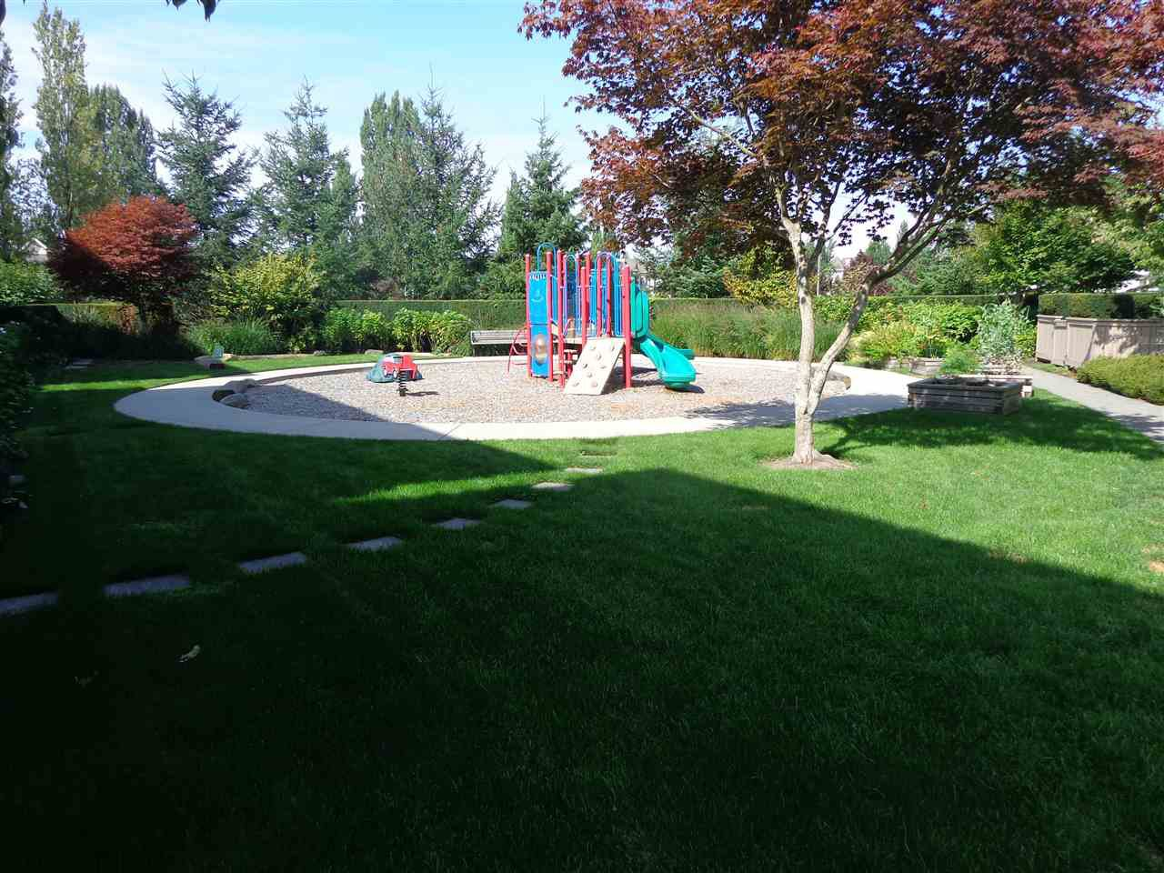 "Photo 16: Photos: 321 21009 56 Avenue in Langley: Salmon River Condo for sale in ""CORNERSTONE"" : MLS®# R2409598"