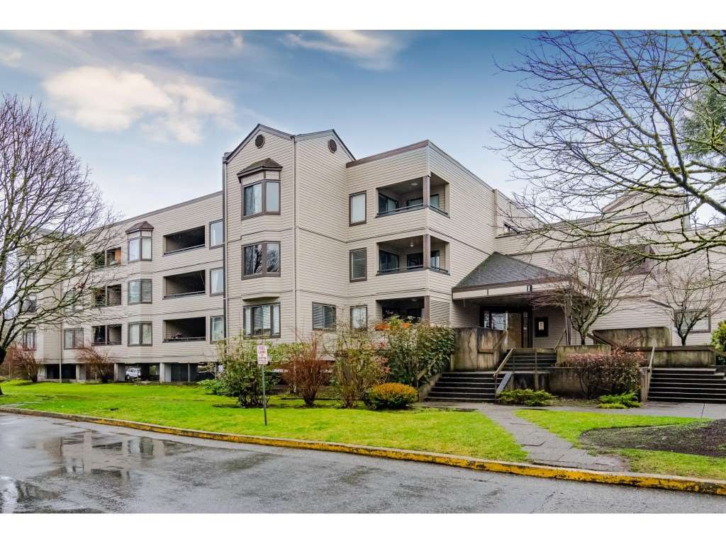 "Main Photo: 206 5224 204 Street in Langley: Langley City Condo for sale in ""Southwynde Court"" : MLS®# R2428468"