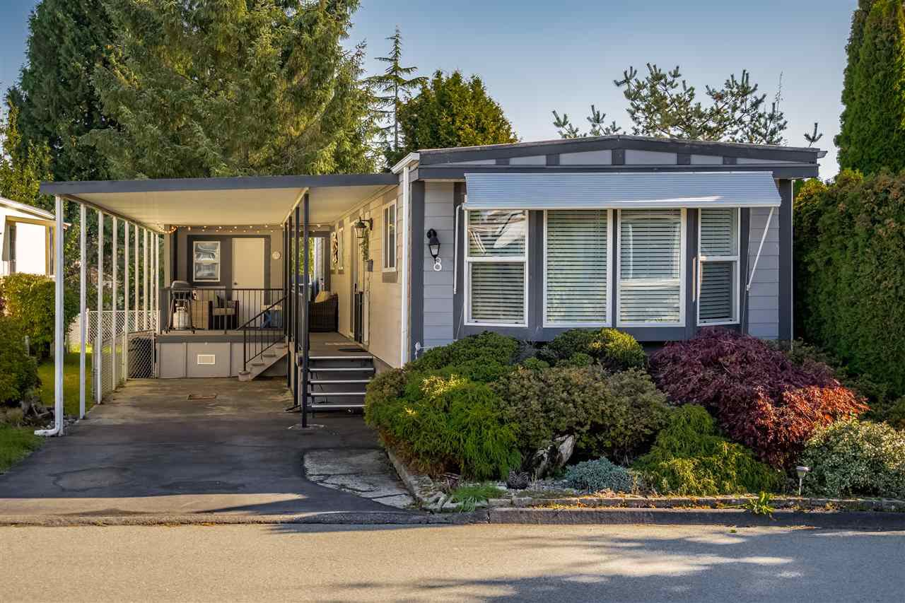 """Main Photo: 8 15875 20 Avenue in Surrey: King George Corridor Manufactured Home for sale in """"SEARIDGE BAY"""" (South Surrey White Rock)  : MLS®# R2431403"""