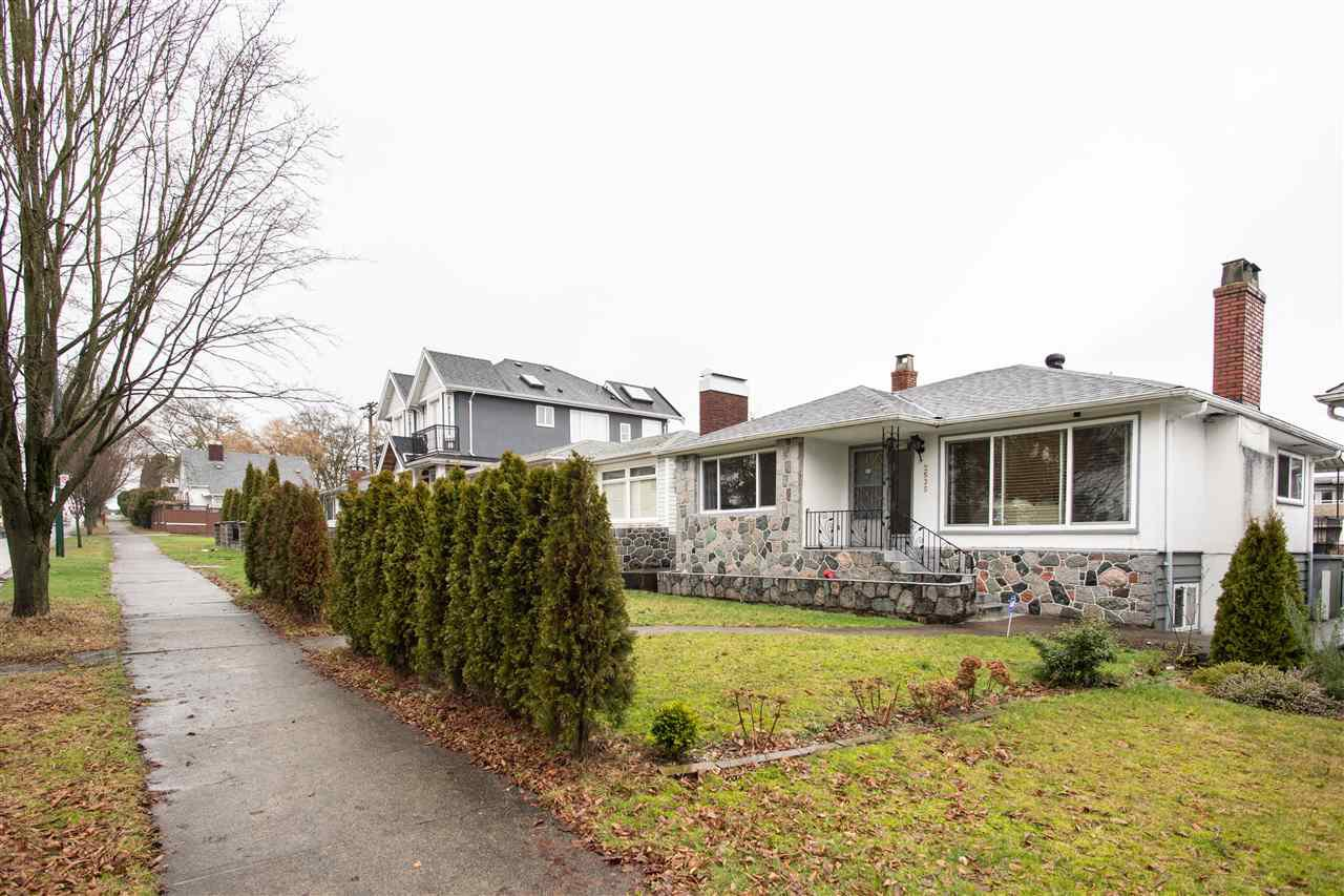 Main Photo: 2535 E 1ST Avenue in Vancouver: Renfrew VE House for sale (Vancouver East)  : MLS®# R2432986