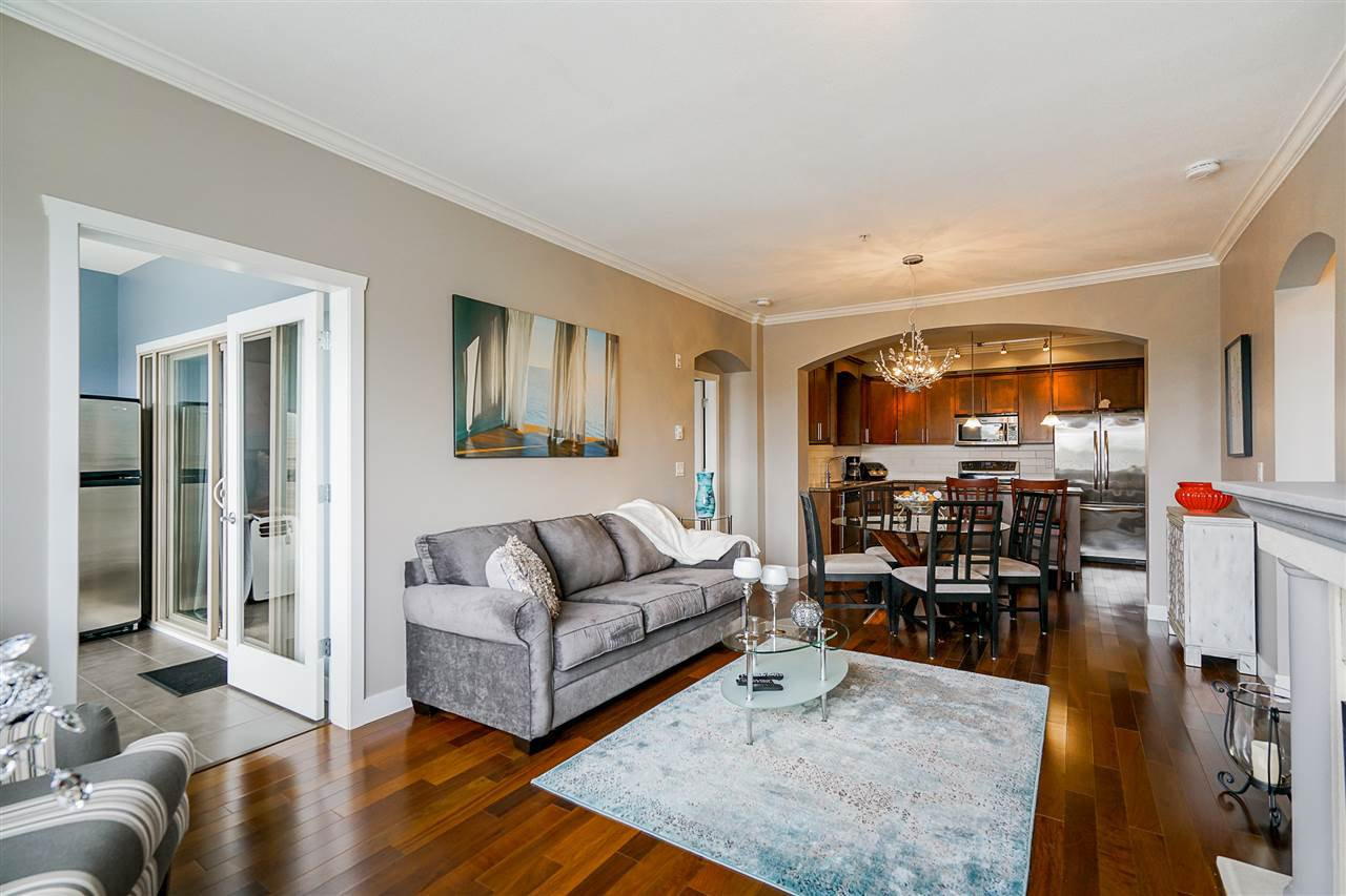 "Photo 13: Photos: 207 2627 SHAUGHNESSY Street in Port Coquitlam: Central Pt Coquitlam Condo for sale in ""VILLAGIO"" : MLS®# R2456355"